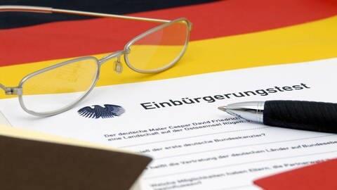 Einbürgerungstest (Foto: imago)