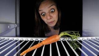 Karotte im Kühlschrank – Machen uns Ernährungsgurus krank? (Foto: picture alliance/imageBROKER)