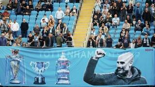 Fans von Manchester City feiern den Trainer und die Erfolge des Vereins - jetzt hoffen sie auf einen Champions League-Gewinn. (Archiv) (Foto: dpa Bildfunk, picture alliance/dpa/CSM via ZUMA Wire | Simon Bellis)