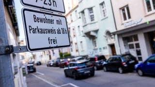 Kostet Anwohnerparken bald 360 Euro? Freiburg, Tübingen, Ulm und Karlsruhe wollen Preise anheben. (Foto: dpa Bildfunk, picture alliance/dpa   Philipp von Ditfurth)