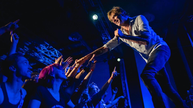 Die Toten Hosen: Campino mit Fans (Foto: SWR3)
