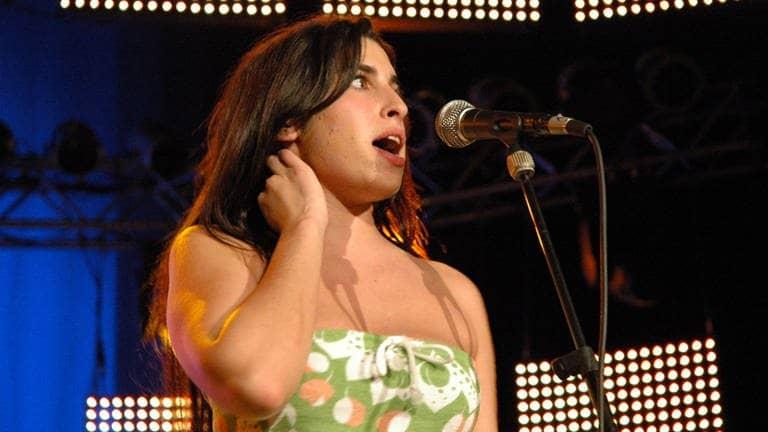 Amy Winehouse bei ihrem Konzert 2004 im Theater Baden-Baden. (Foto: SWR3)